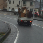 不用品回収雨中福岡で走行中 片付け隊