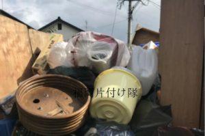 不用品洋服、ベッド、机、棚、細々した物などの回収