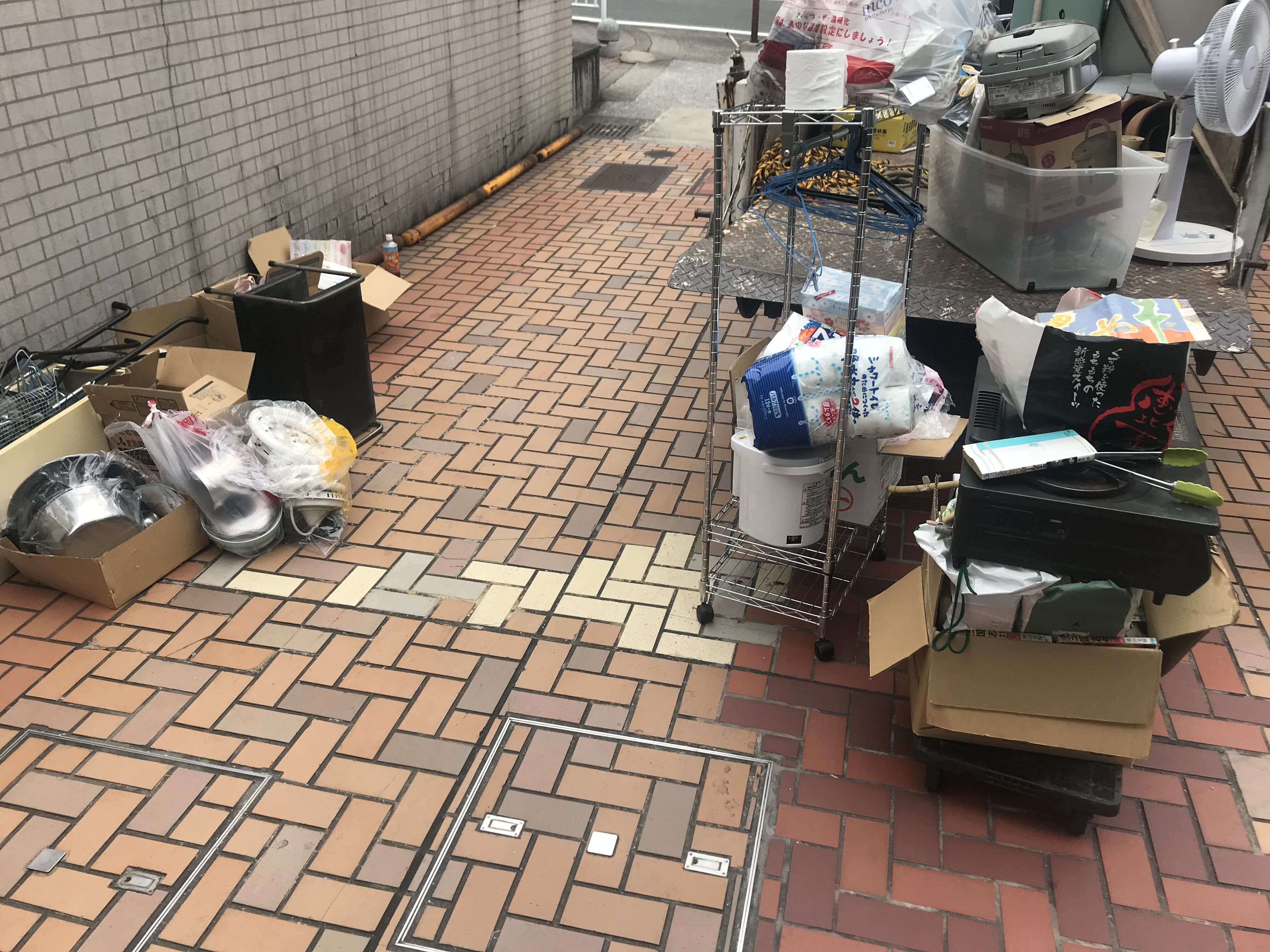 福岡県福岡市別府公団地 不用品回収作業 前