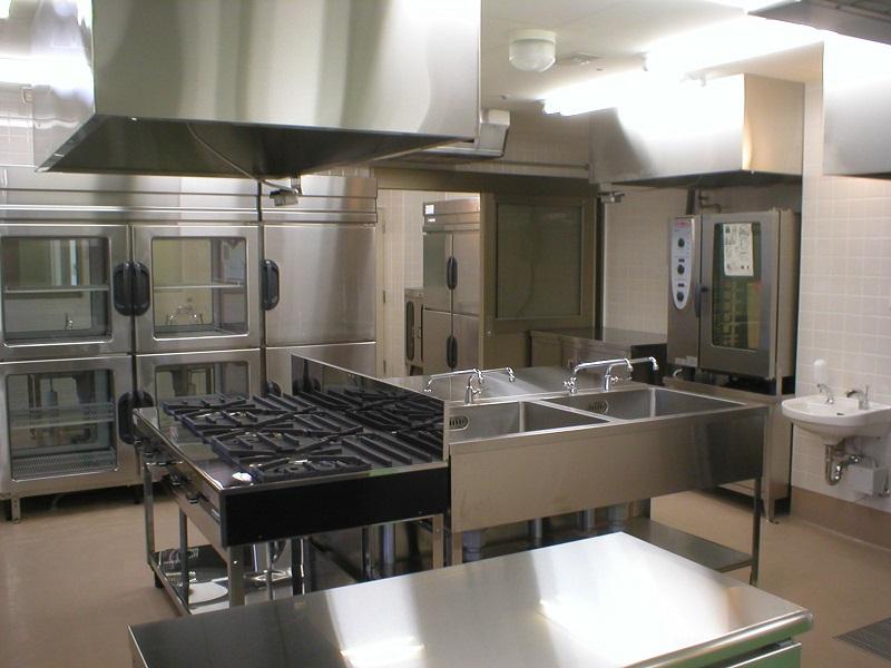 福岡で業務用厨房機器を処分・回収・買取するなら