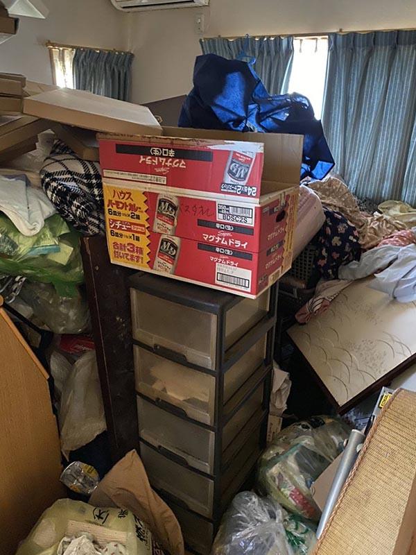 【片付け実績】福岡でショッピングなどで荷物が溜まってゴミ屋敷になってしまった家を片付けました